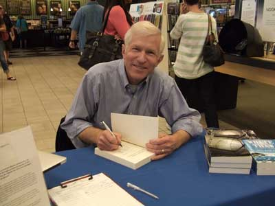 photo of Paul Mark Tag at a book signing at a Barnes and Noble bookstore